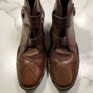 Josef Seibel Size 7.5 Ankle Boots Brown Leather